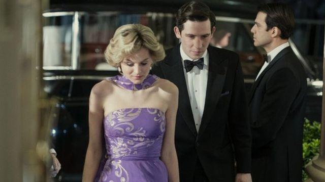 Emma Corrin and Josh O'Connor in The Crown
