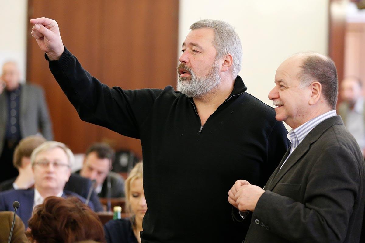 1634219390 600 Who is Dmitri Muratov winner of the Nobel Peace Prize