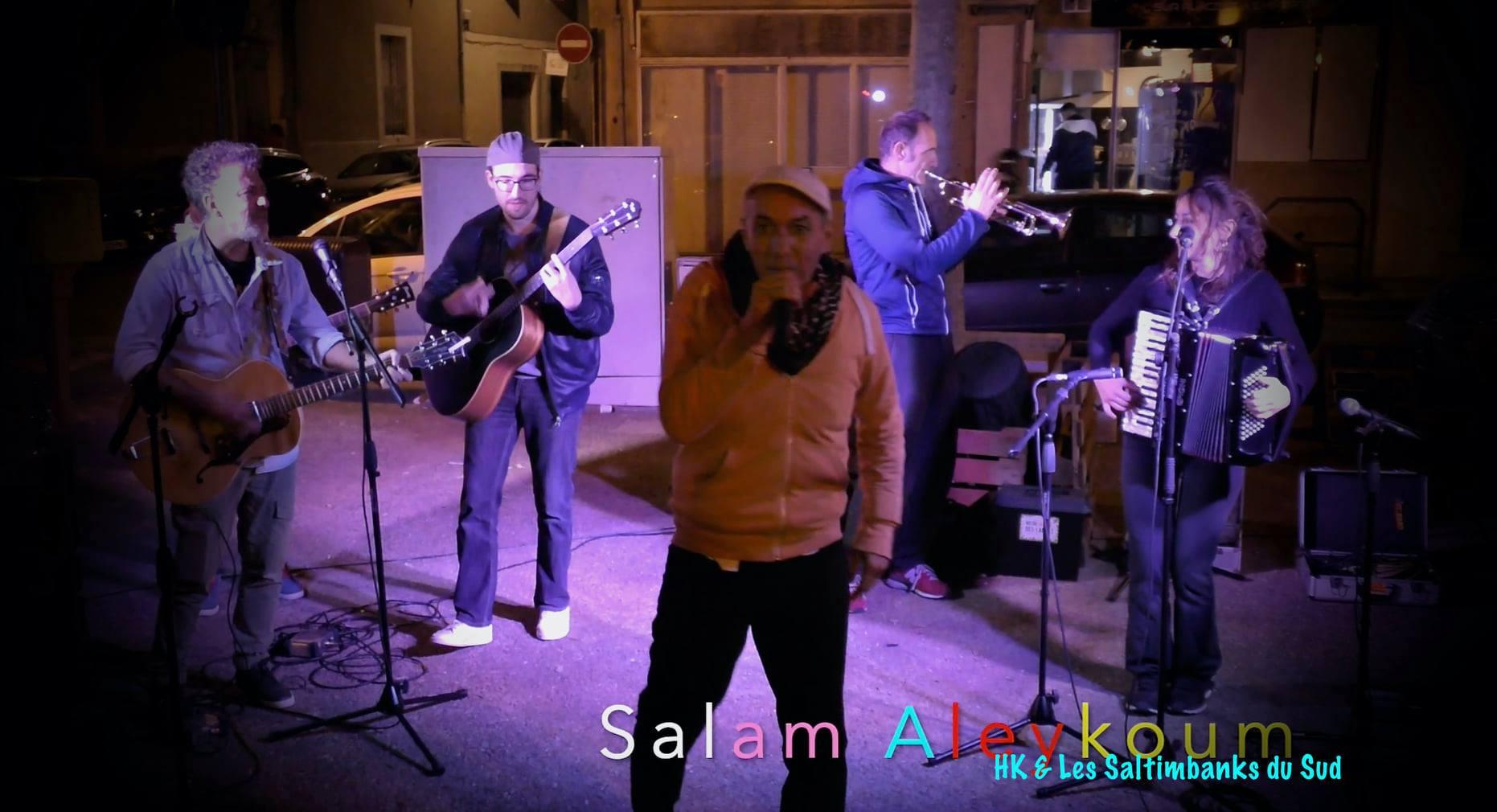 1634832803 HK Les Saltimbanks musical phenomenon on the roads of