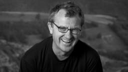 Mike Downey receives Kristián Lifetime Achievement Award at Febiofest